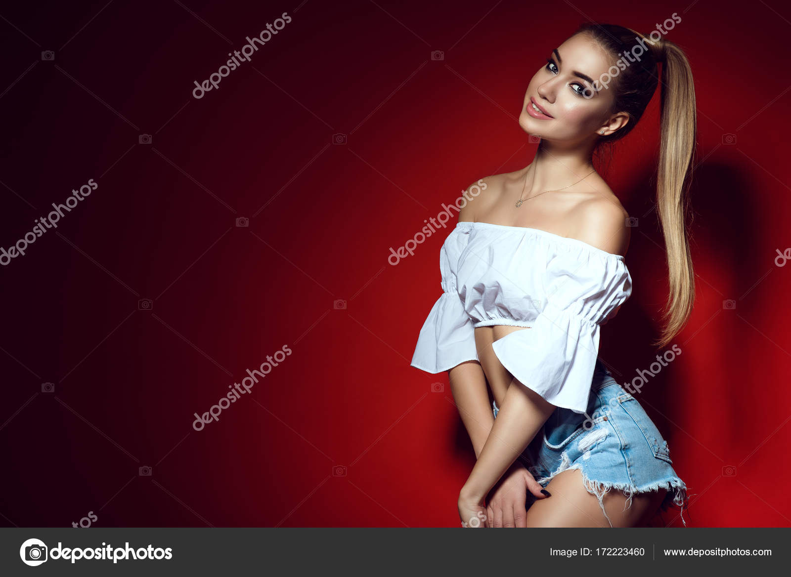 polnaya-blondinka-sverhu-liza-ann-porno-milf-onlayn