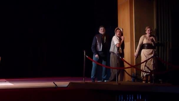 Komische Oper Piraten Dreieck