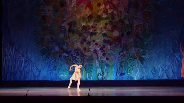Tento věčný příběh balet