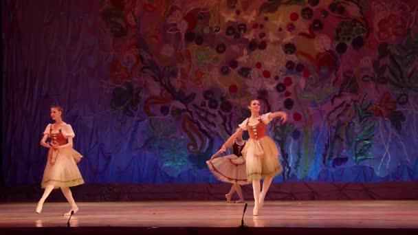 dieses ewige Ballettmärchen.