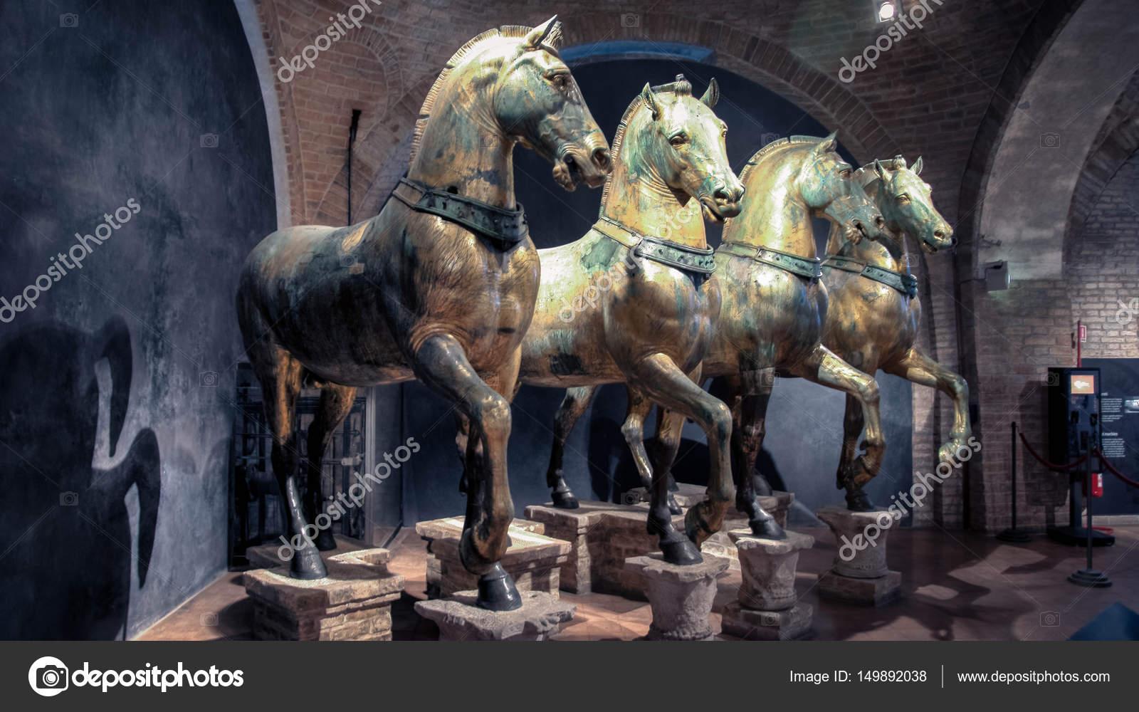 Los caballos de la Basílica de San Marcos en Venecia — Foto ...