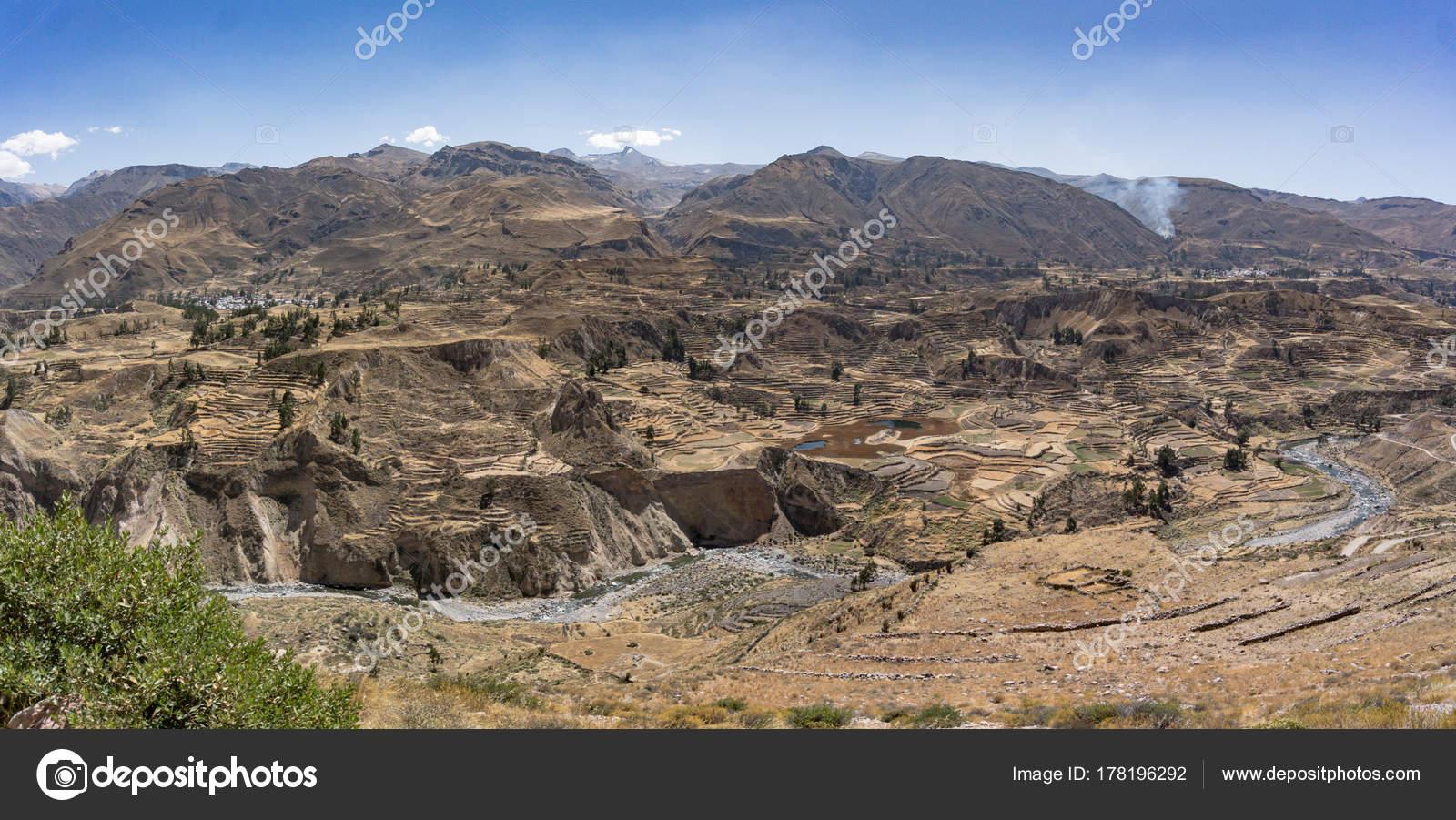 Vista Del Cañon Del Colca Vista Panorámica Del Cañón Del