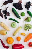 Duha barevné ovoce a zelenina
