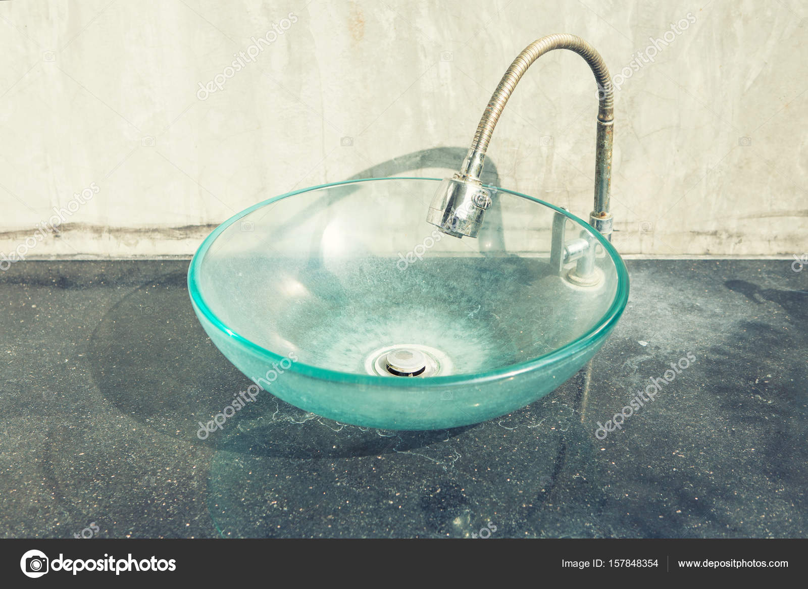 Glas Schale Hand Waschbecken Stockfoto C Bill45 157848354