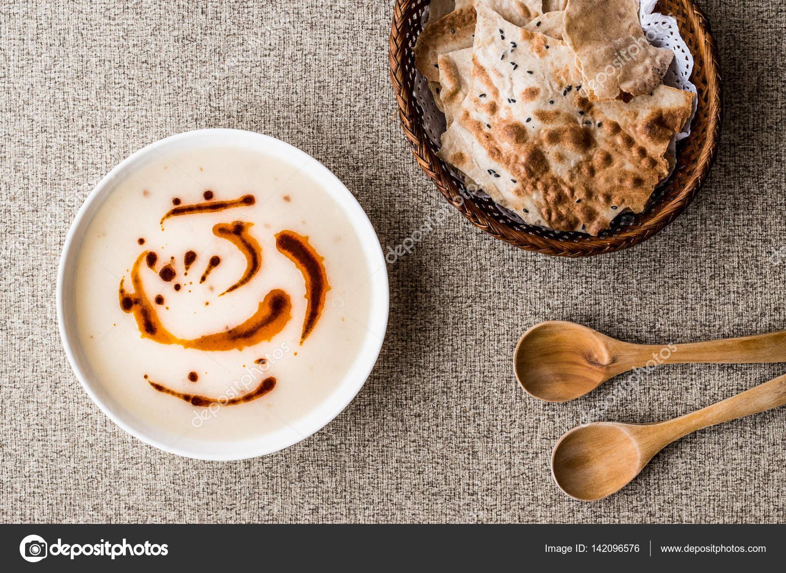 Çilekli Ekmek Tarifi
