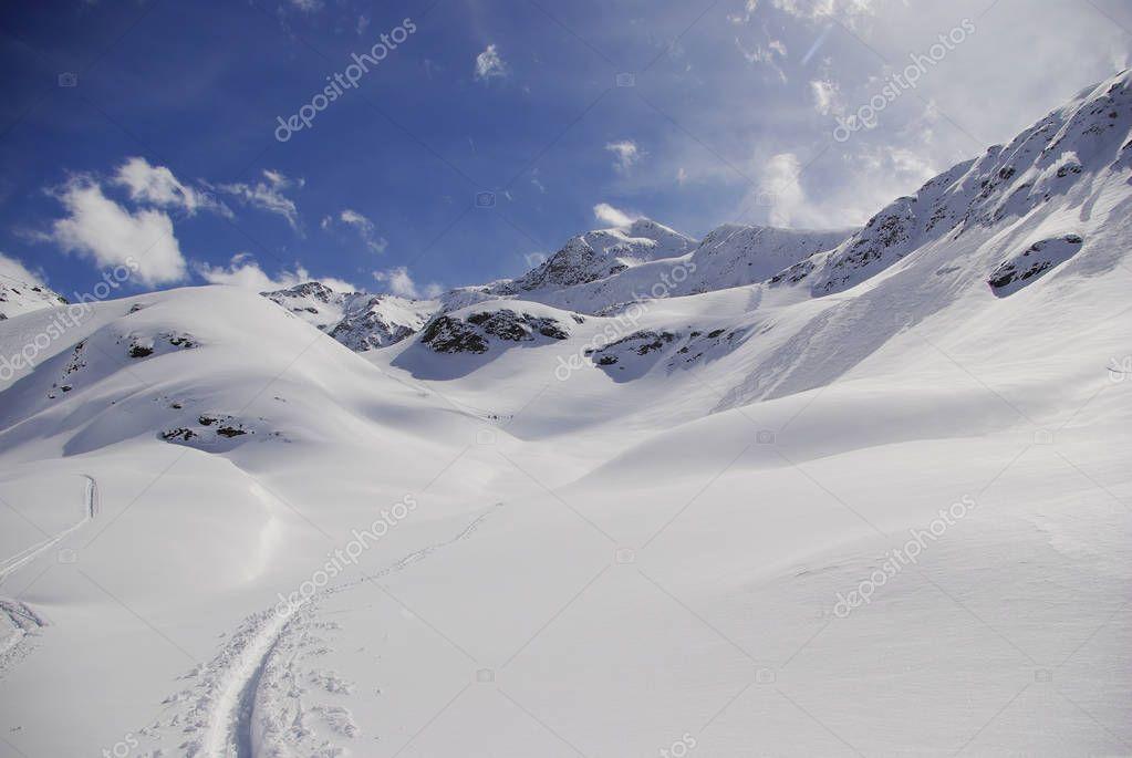 Snowy peaks in the European Alps