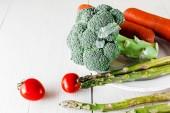 zelenina na stůl