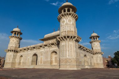 Tomb of Itimad-ud-Daulah also known as the Baby Taj in Agra is a white marble mausoleum with intricate carvings on the exterior and interior.