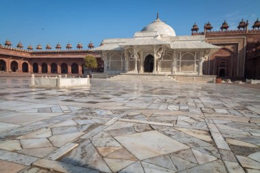 Beautiful white marble Salim Chisti tomb at Fatehpur Sikri.