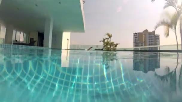 Video B152435910