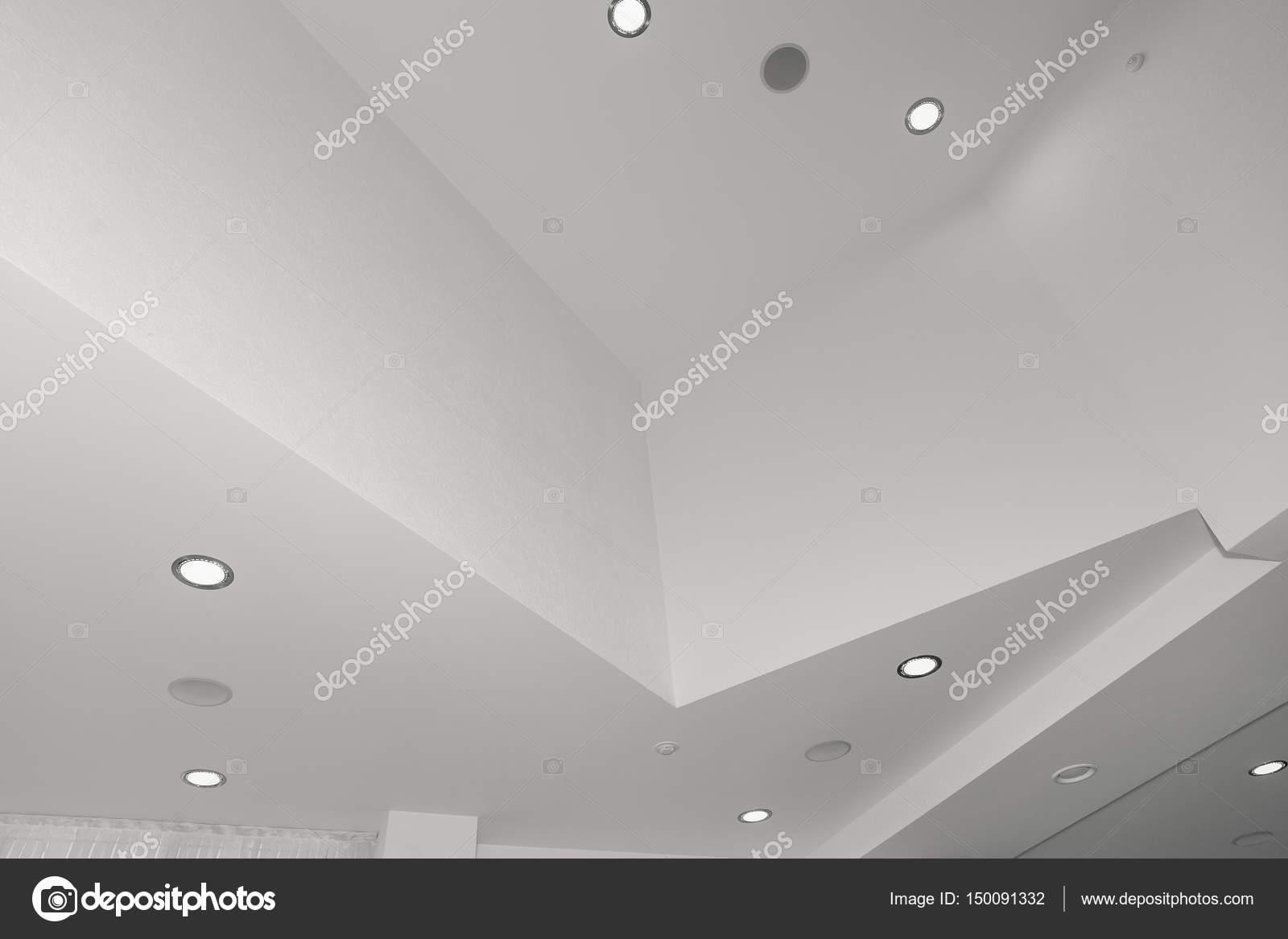 Illuminazione Ufficio Da Soffitto : Soffitto e illuminazione all interno di edificio per uffici u foto