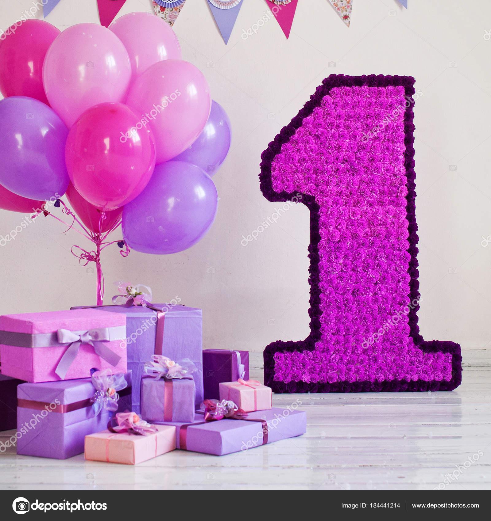 Decorado Número 1 Para Un Cumpleaños Foto De Stock