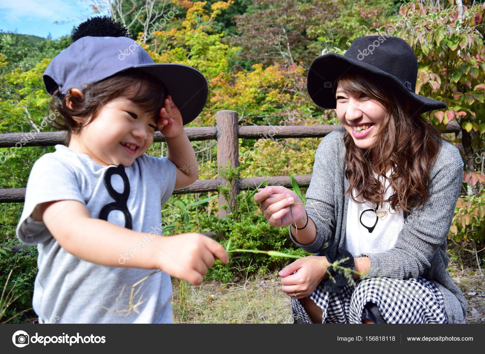 Японская мама учит сына, Японская мама учит - видео likes Hi-Hit 18 фотография