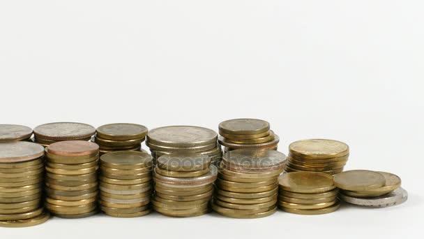 Slovensko vlajka mávala s hromadou peněz mincí