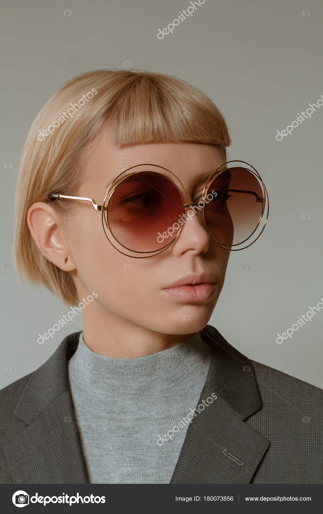 d600f85d3aae Blonde Girl Short Hair Style Fashion Glasses — Stock Photo ...