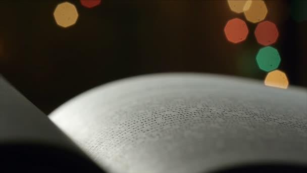 essek könyv oldal közeli képe