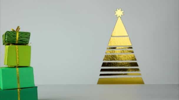 Hromadu vánočních dárků se přesune do stromu papírové zlaté barvy. Hromadu dárků pro nový rok přichází na vánoční stromeček.