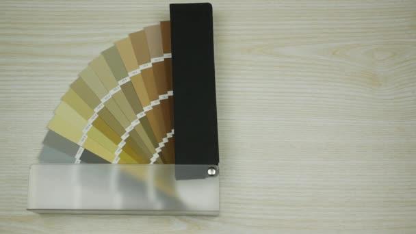 Vzorek barvy katalog. Odstíny barev. Barevný vzorník kniha. Zastavení pohybu