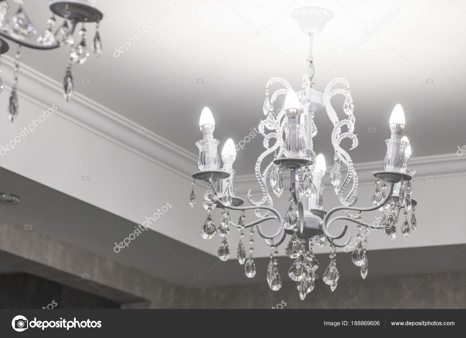 Kronleuchter Metall Antik ~ Vintage kronleuchter eine antike lampe den innenraum alte
