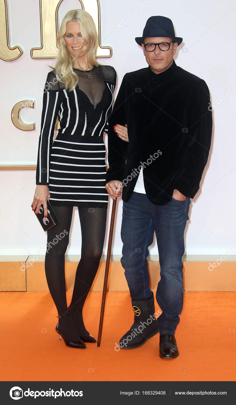 Claudia Schiffer y Matthew Vaughn– Fotografía editorial de stock 4b6ae2bdd4c2