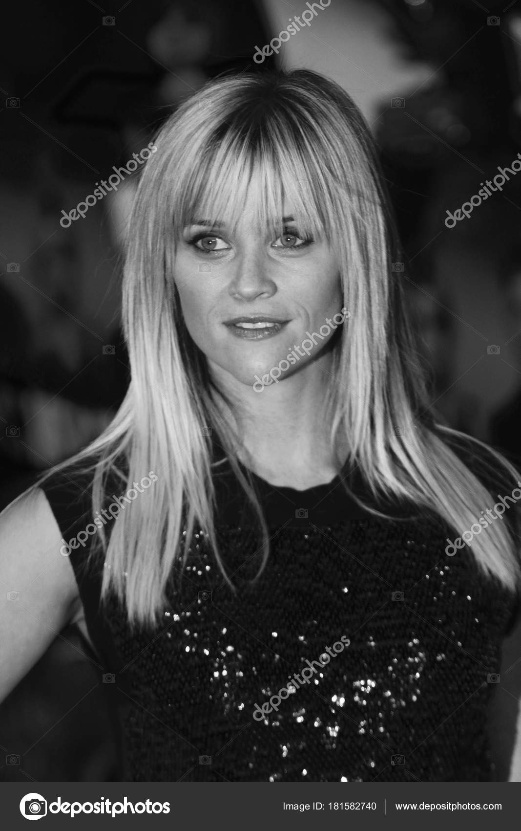 82908dcbe London Jan 2012 Reese Witherspoon Image Digitally Altered Monochrome  Arrives — Stock Photo