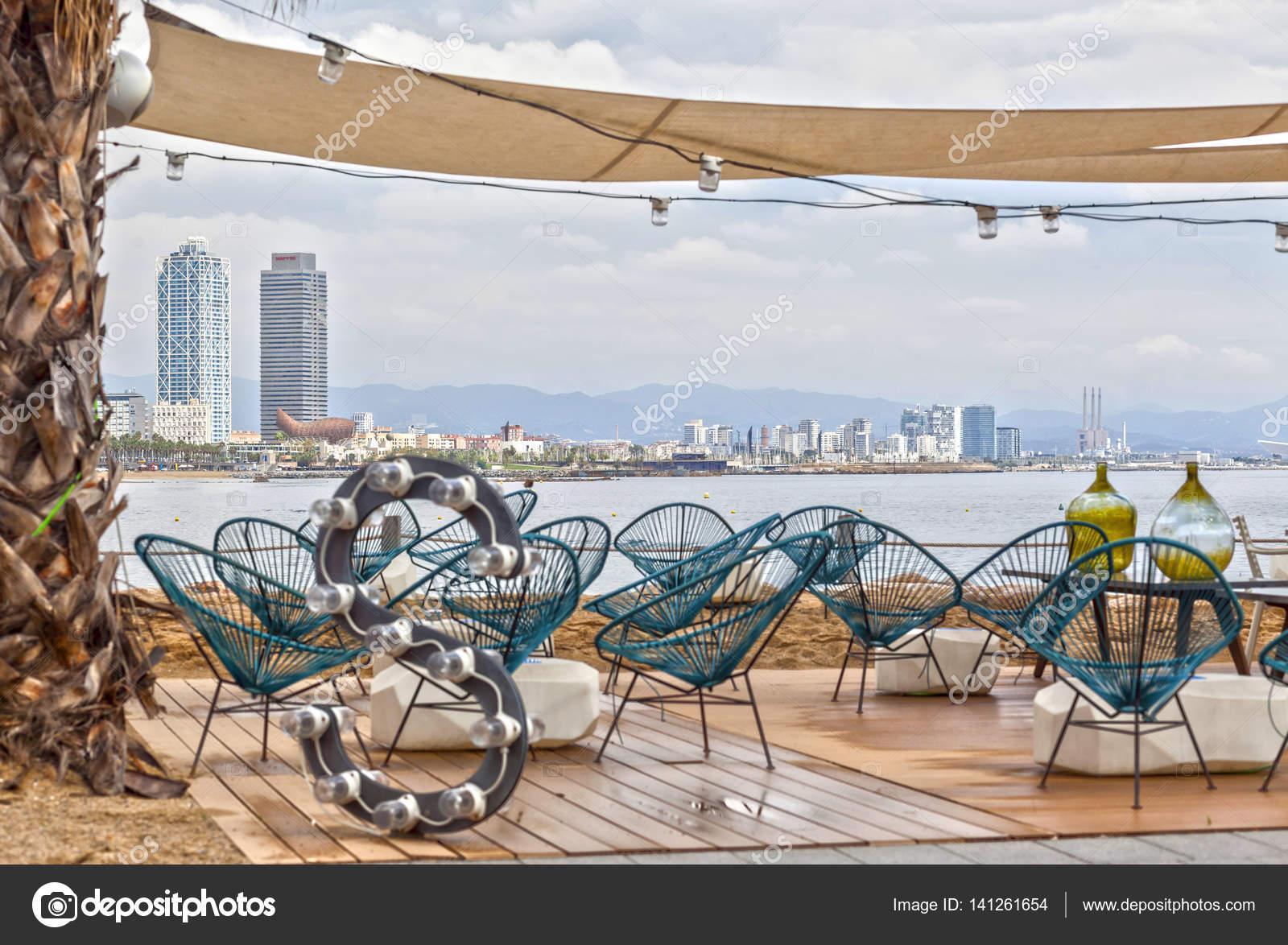 Bar Con Terraza Frente A Hormiga La Playa Marítima Playa