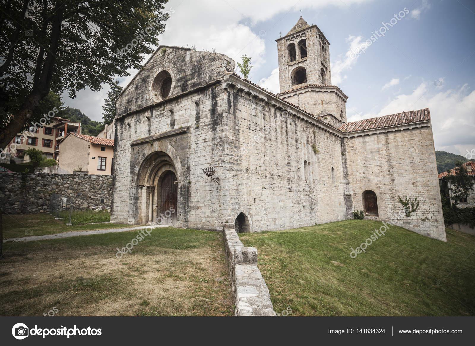 Arquitectura religiosa del edificio monasterio monestir - Arquitectura girona ...