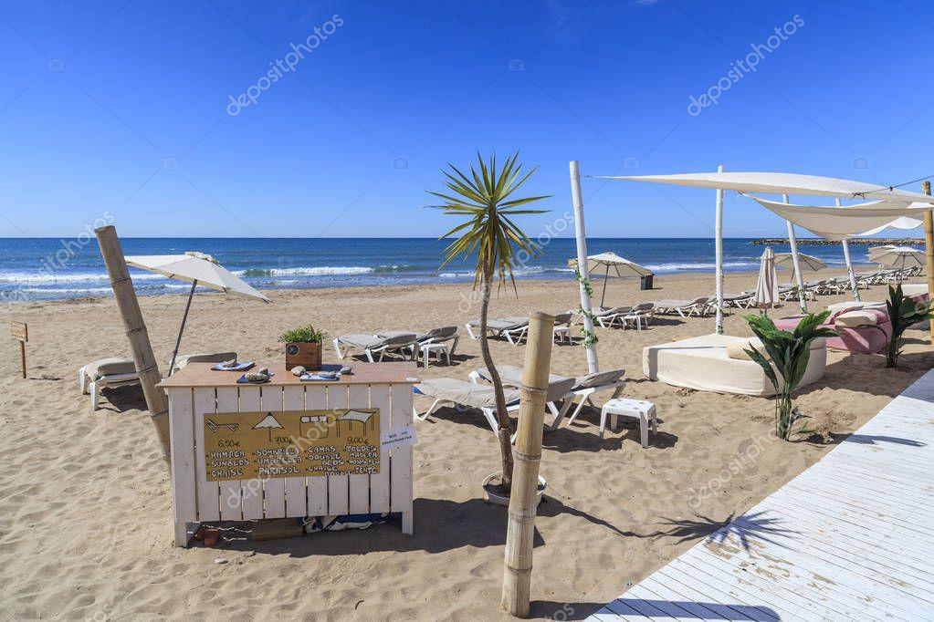 spiaggia mediterranea arredo spiaggia sitges provincia