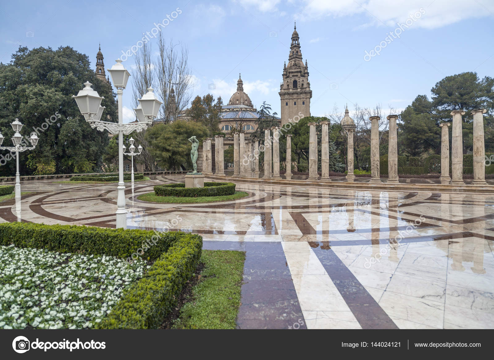 Fondo columna mar de barcelona jardines jardins joan maragall paseo con columnas j nicas - Jardines de montjuic ...