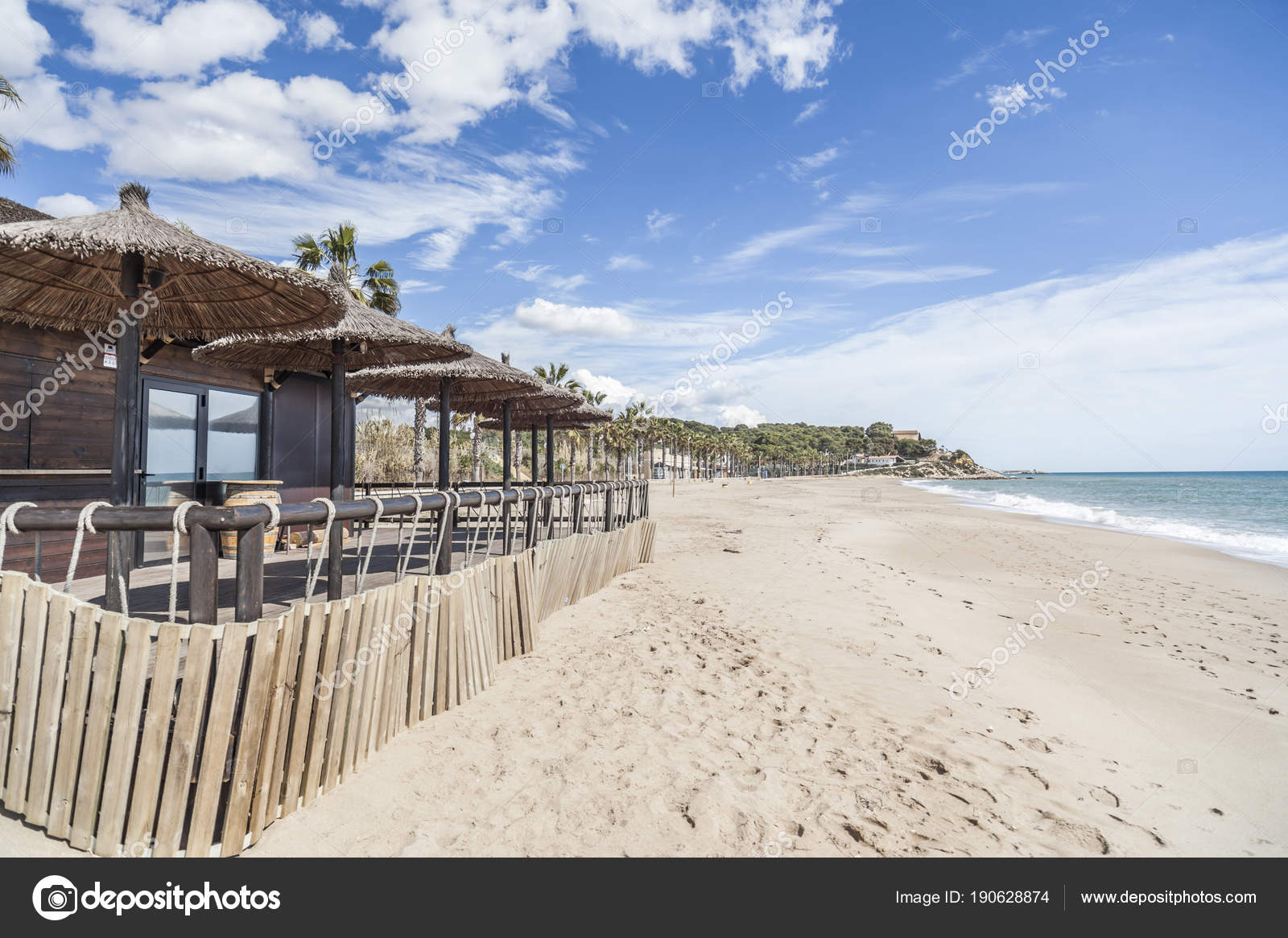Playa Mediterránea Terraza Bar Chiringuito En Creixell