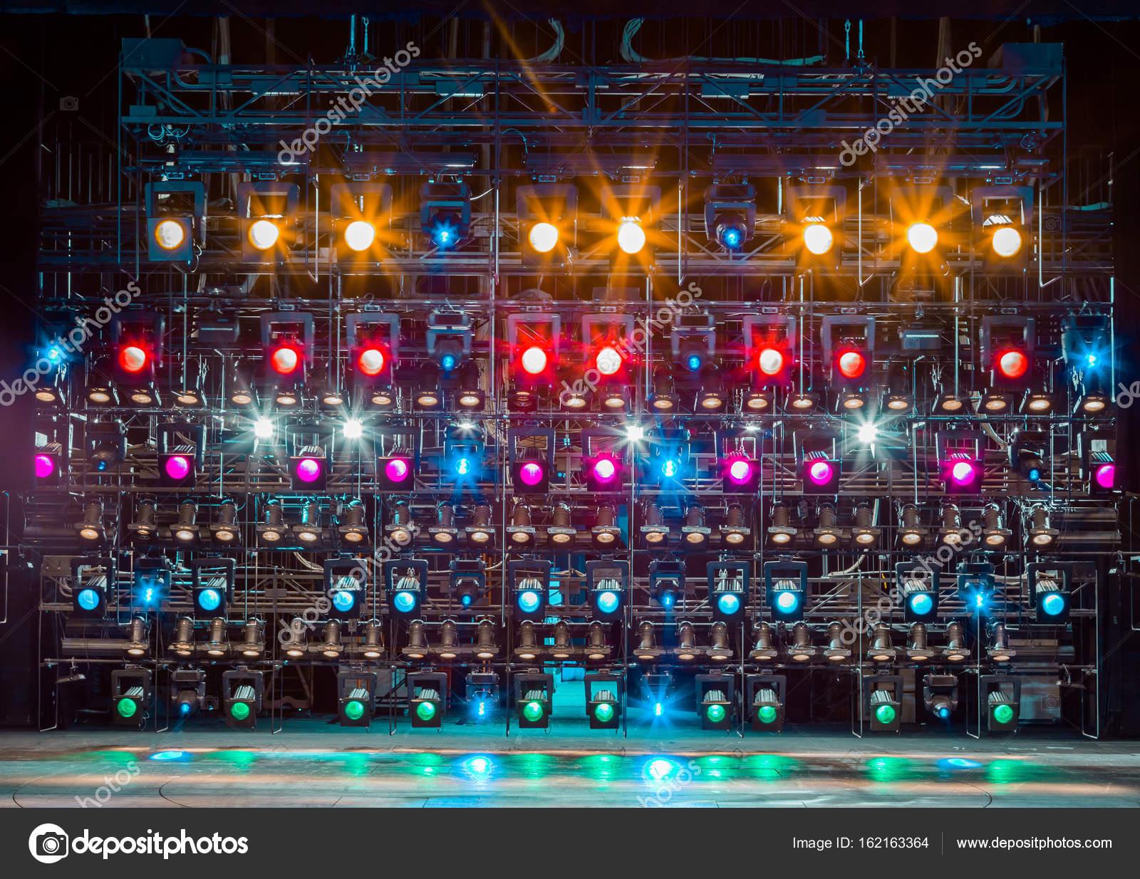 Illuminazione led professionale per scenografie e teatro
