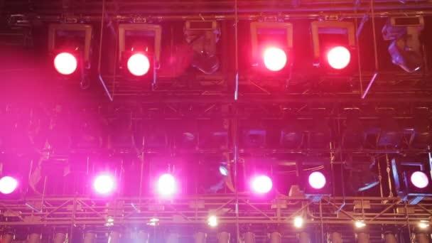Il teatro massimo saluta il con una nuova illuminazione per i