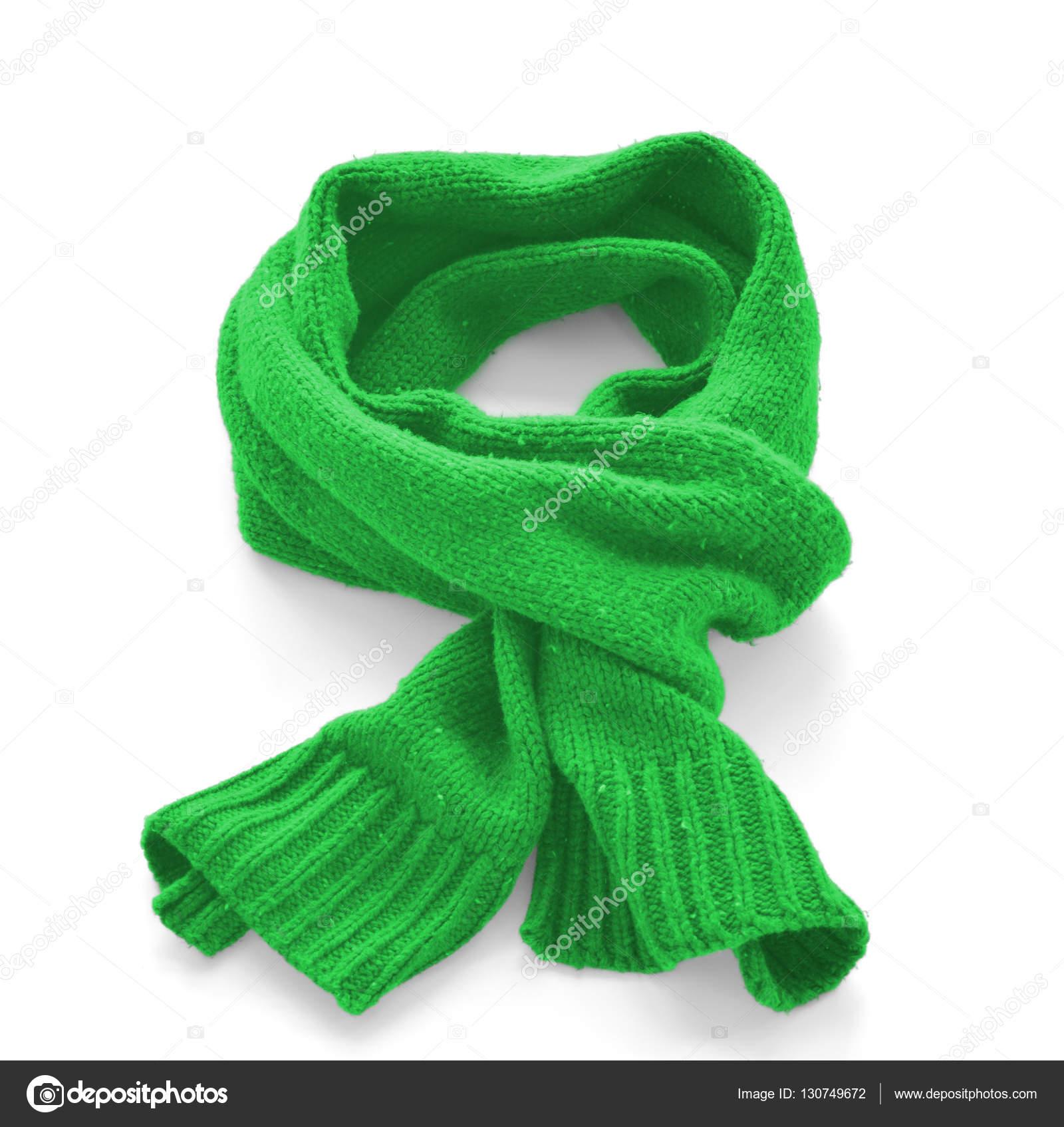 mejor sitio web 53602 20dc4 Bufanda verde cálida sobre un fondo blanco — Fotos de Stock ...