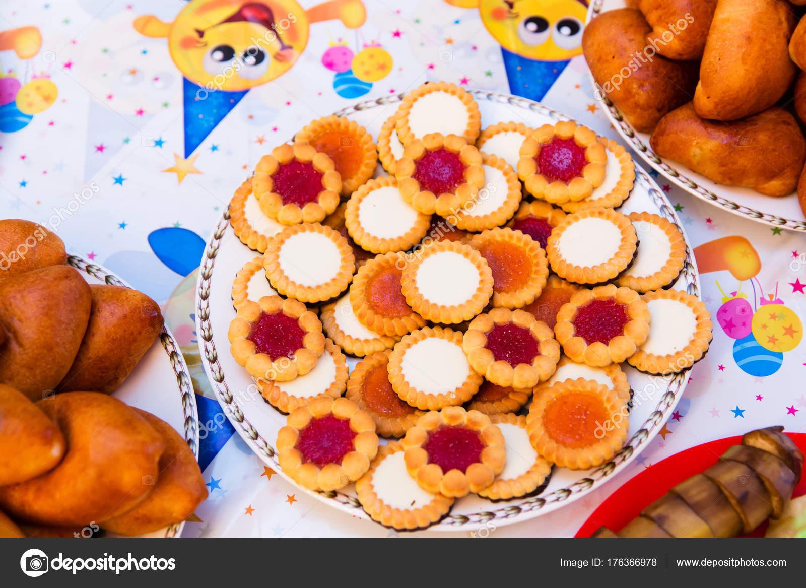 Biscotti Compleanno Bambini Foto Stock C Angel648 Mail Ru 176366978