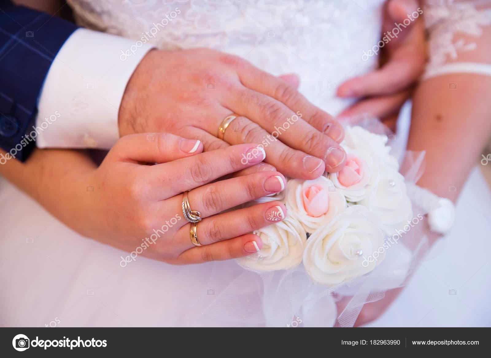 Bride Groom Hands Wedding Rings — Stock Photo © angel648@mail.ru ...