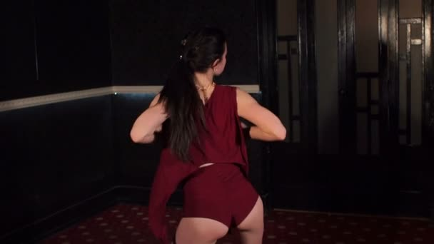 Lesbians butt tribbing