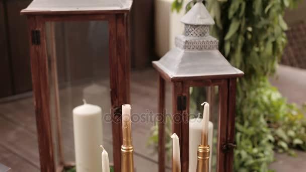 Kerzen In Goldenen Flaschen In Hochzeit Dekoration