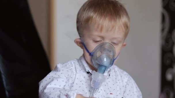 Kind Atmet Stoßweise