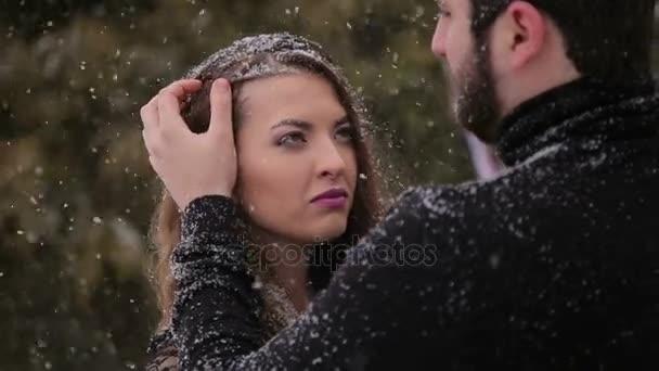 Zwarte Jurk Voor Bruiloft.Bruid In Een Zwarte Jurk Gotische Bruiloft Winter Stockvideo