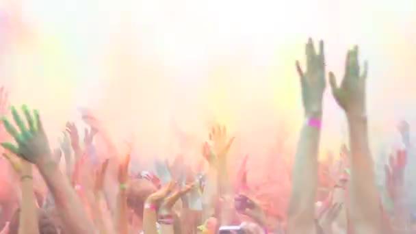 Celebrazione della festa di Holi colori