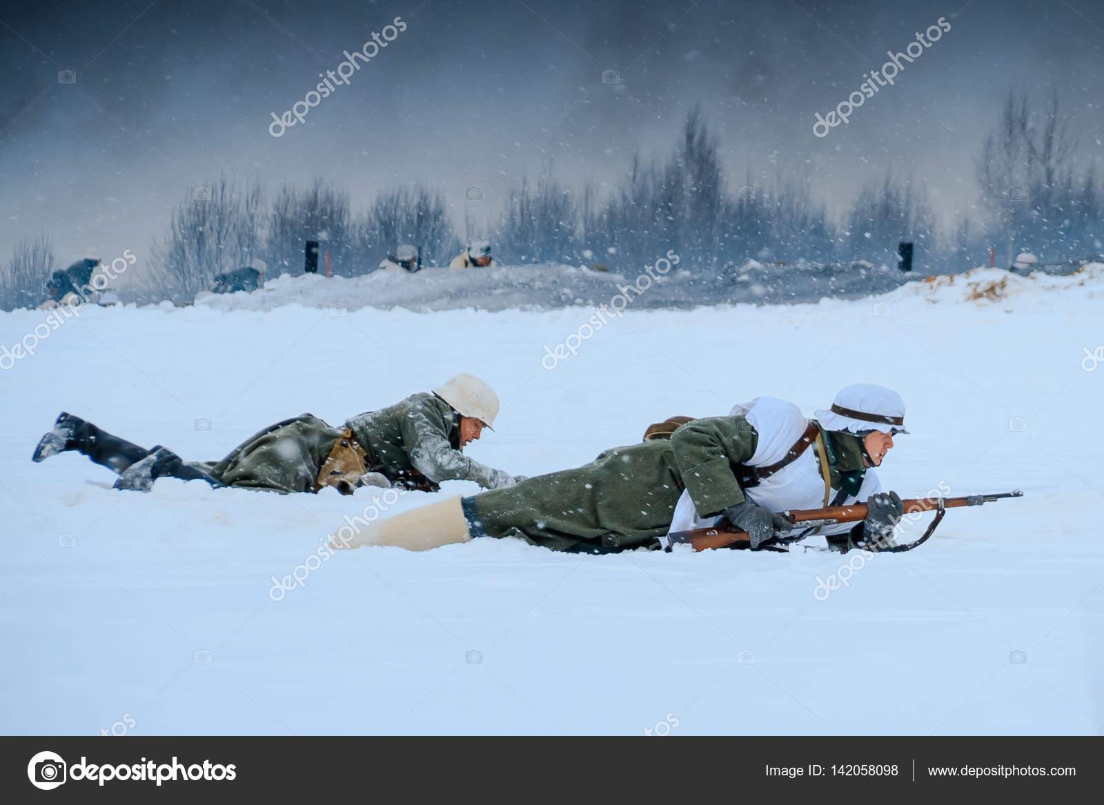 攻撃でドイツ国防軍兵士 - スト...