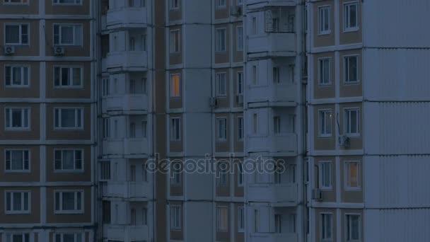 Budova se světlem v systému windows