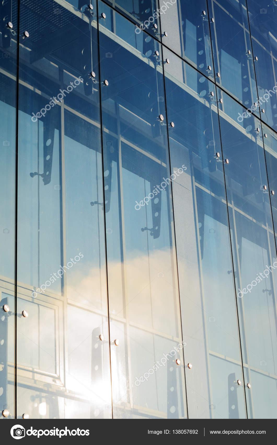Muros cortina de vidrio. Fachada de araña, sistema de fijación ...