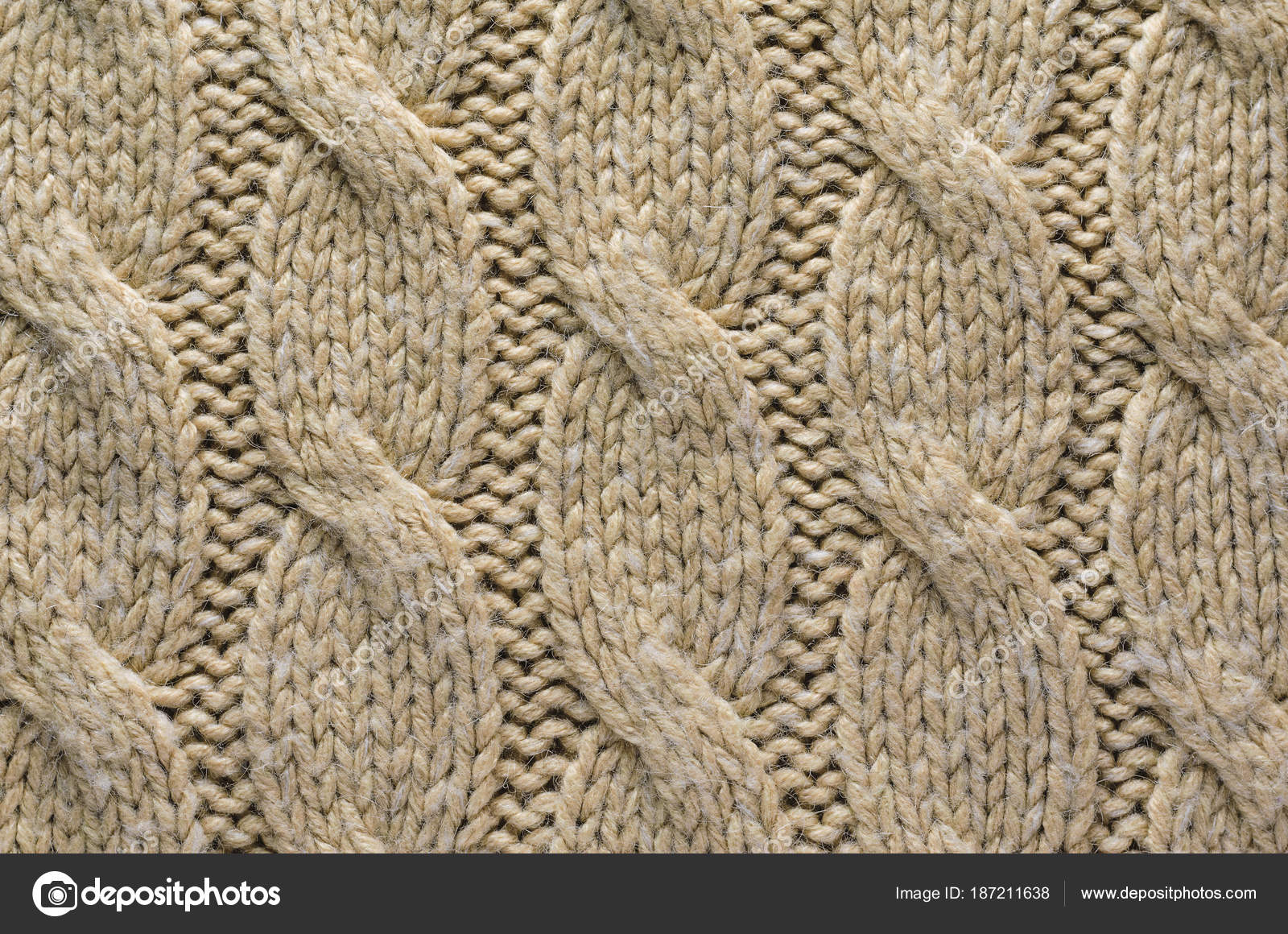b530d5dade3 Beige Cable Knit Texture Texture Knitted Sweater Fabric Uniform Pattern —  Stock Photo