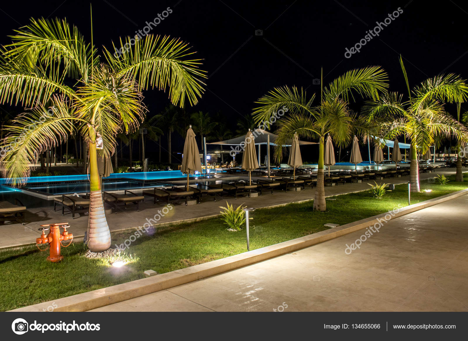 Oman Salalah 19 10 2016 Erstaunliche Nachtlichter Hotel Al Fanar