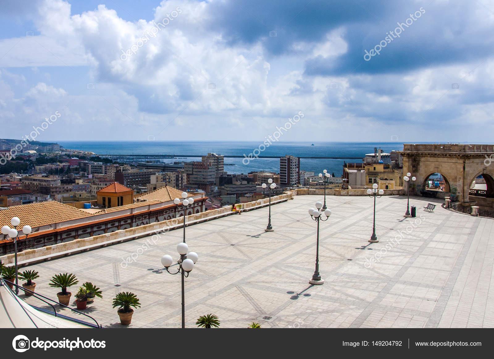 Cagliari Orizzonte Di Sardegna Italia Costiera Sul Mar