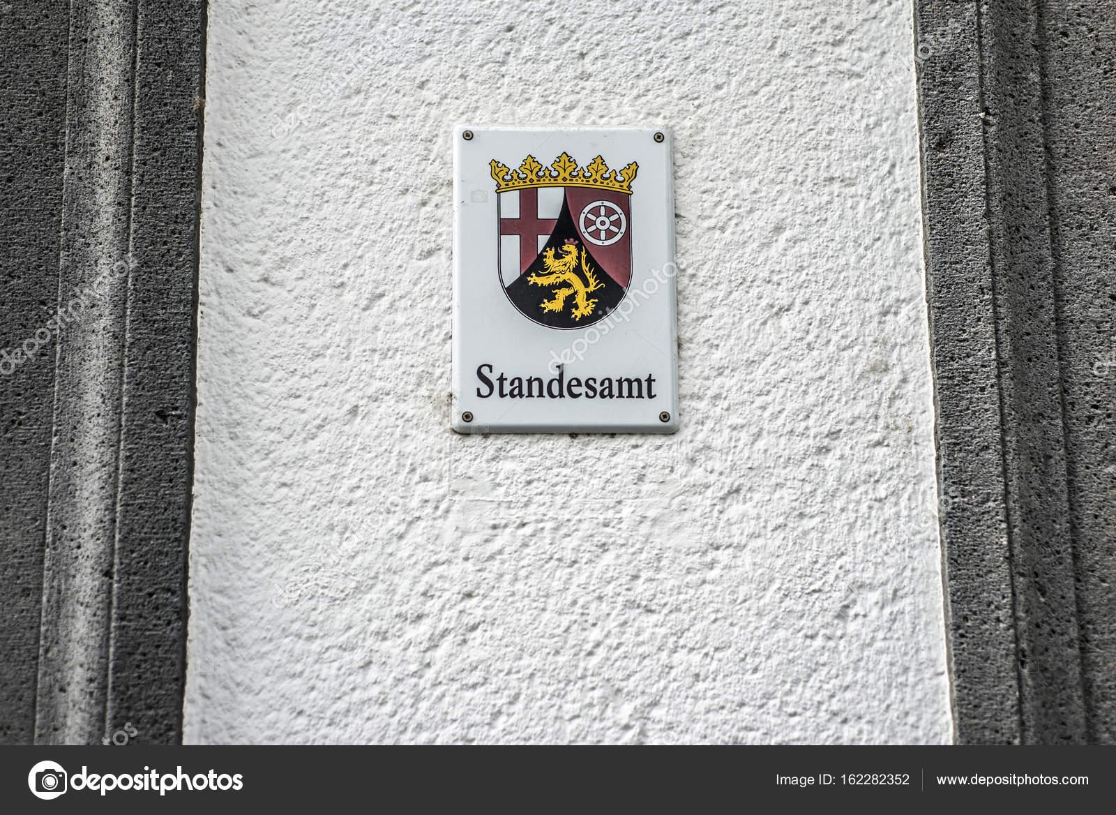 Ufficio Di Registro : Cartello metallico montato muro parola tedesca standesamt traduzione