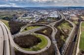 Letecký pohled na dálniční křižovatka s mezibankovní trojlístku Německo Koblenz