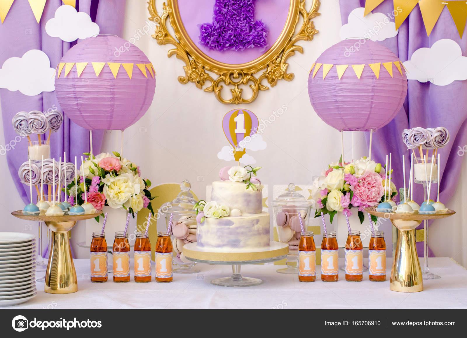Interieur decoratie voor verjaardag van een kind u stockfoto