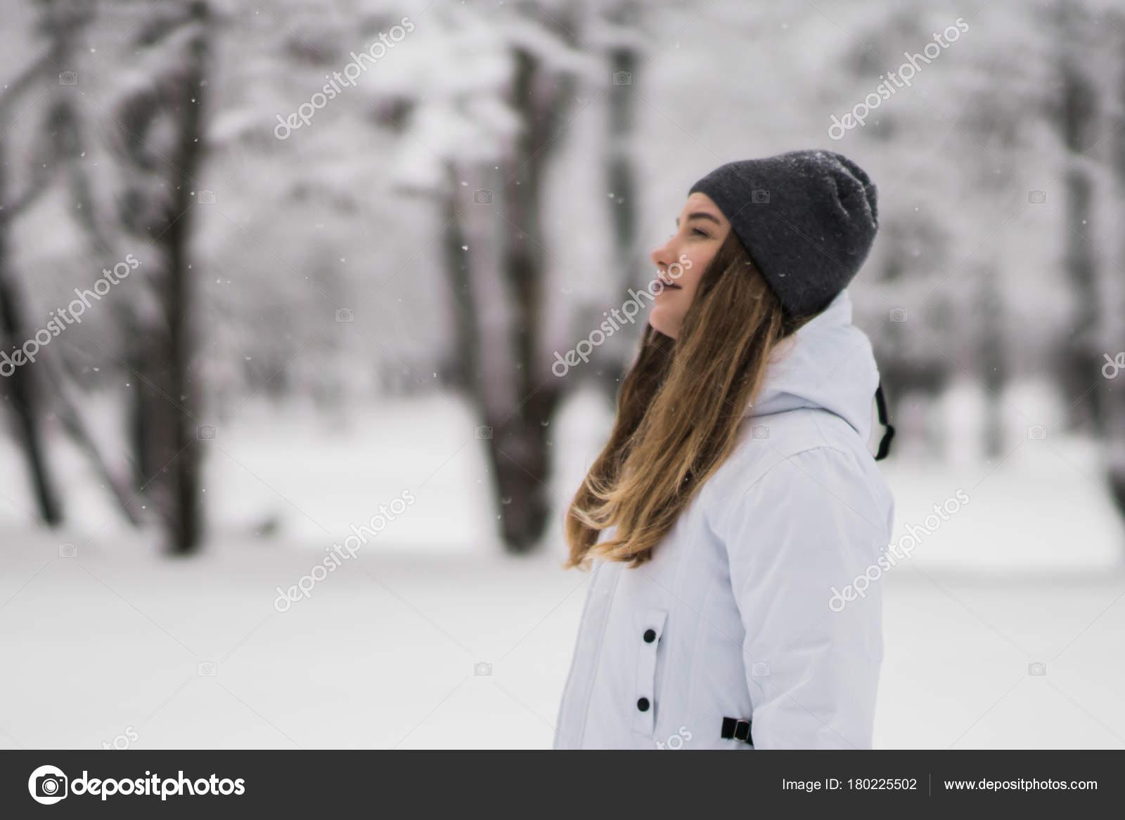 Фото девушек на фоне достопримечательностей